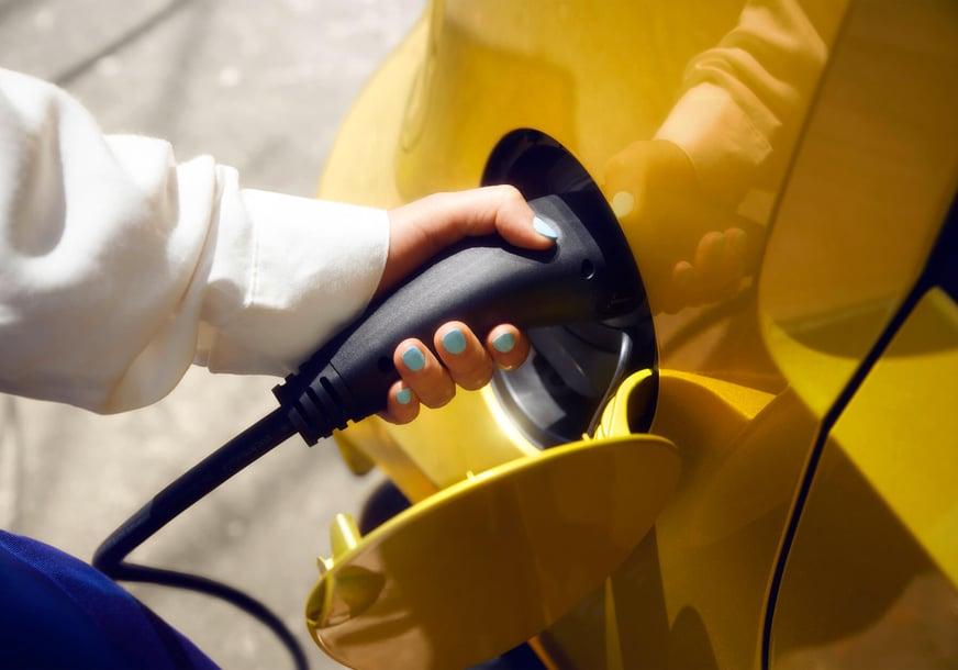 auto_elettriche_ricarica_batterie