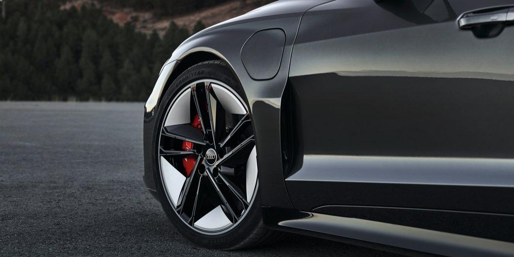 Audi RS e-tron GT dettaglio cerchi
