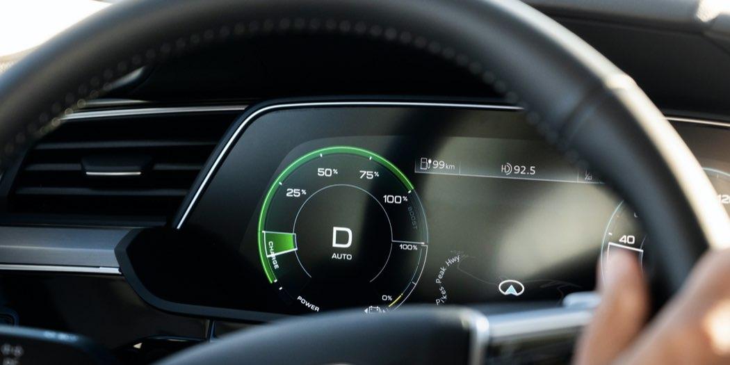 manutenzione auto elettrica