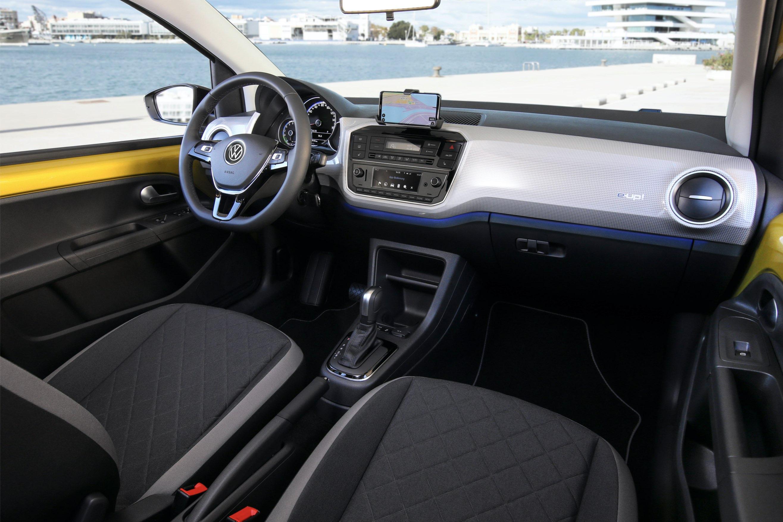 volkswagen e-up interni